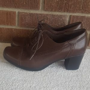 Clarks Bendables Heel Oxford
